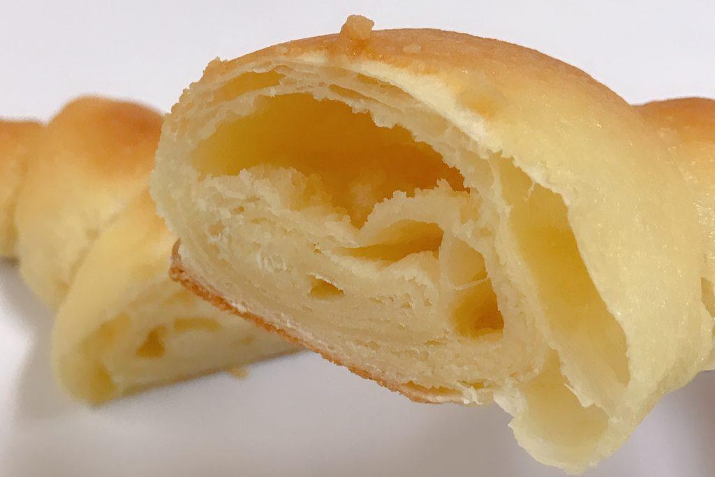 ファミリーマートの焦がしバターのクロワッサン