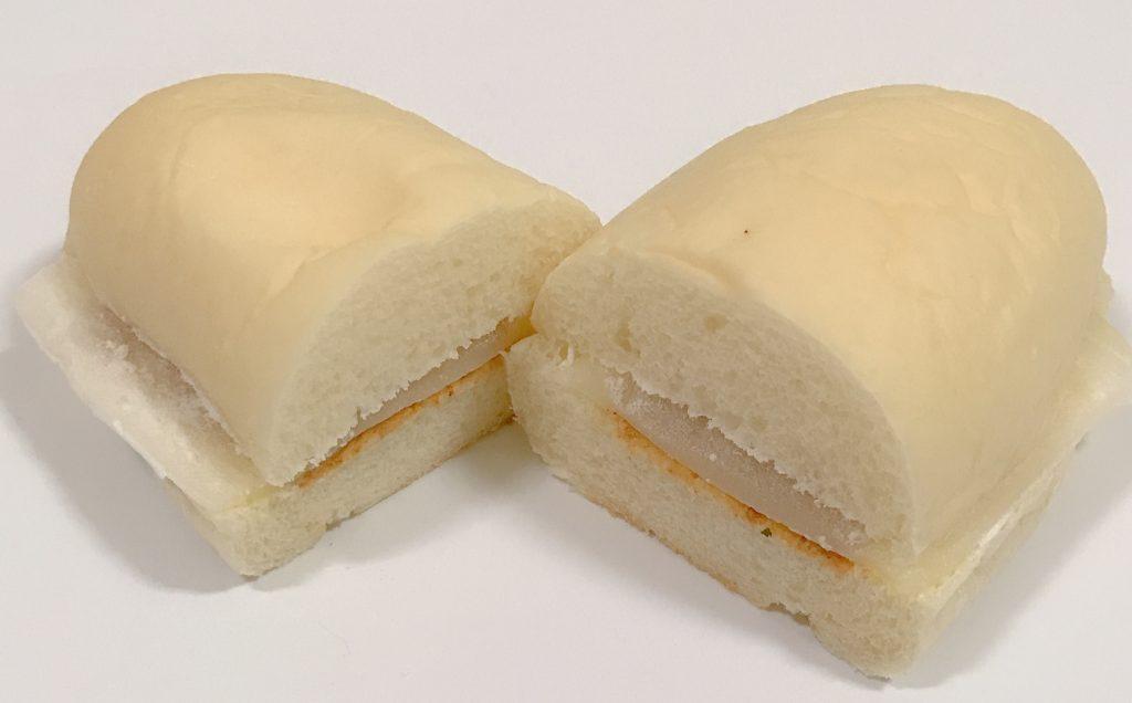 ローソンのきなこクリーム&求肥入りロールパン