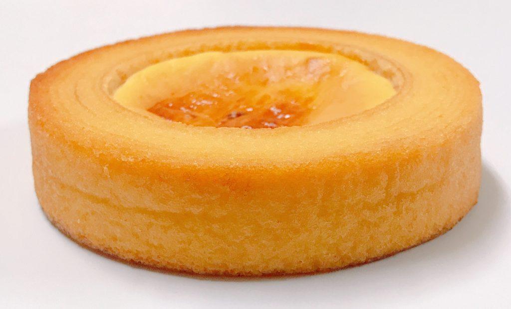 ファミリーマートのベイクドチーズケーキのバウム