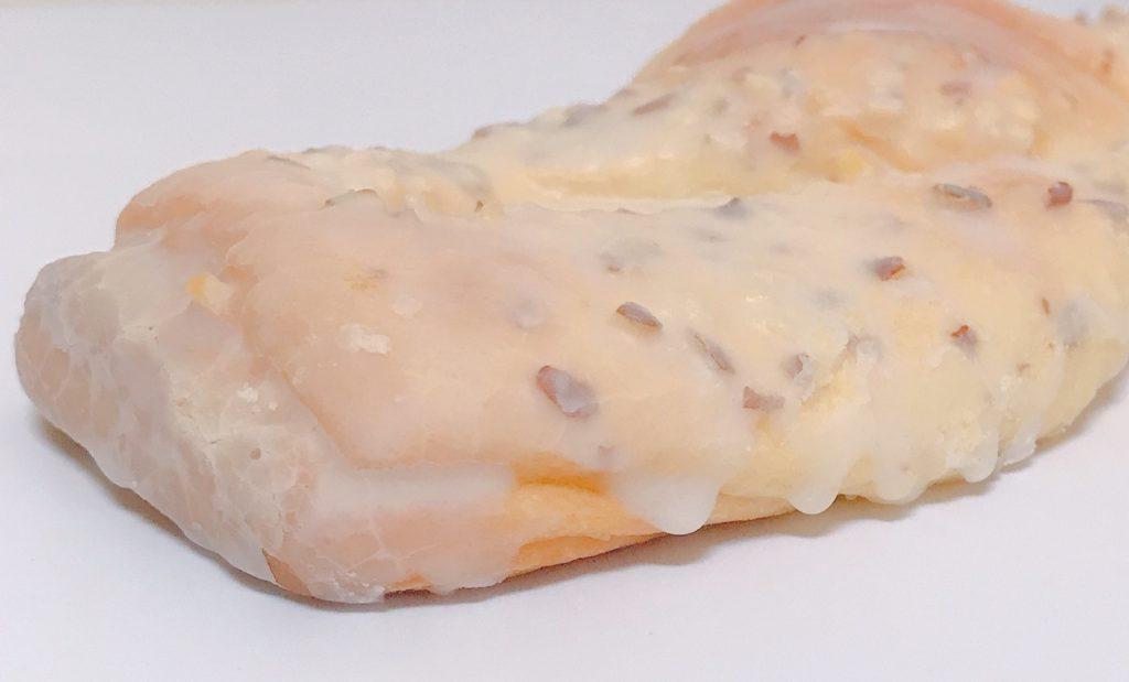 ファミリーマートのアーモンドクッキーツイスト