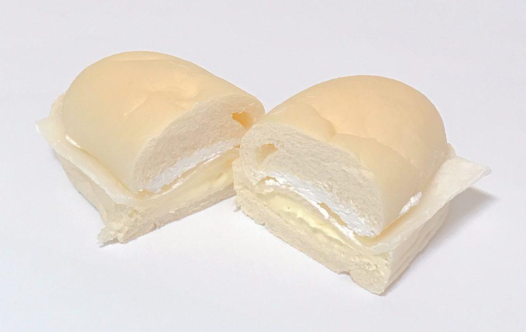 ファミマの白いコッペパン