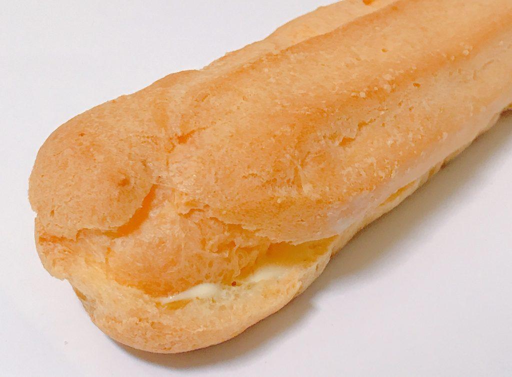 ファミマのノビ~〝な〟エクレアチーズ